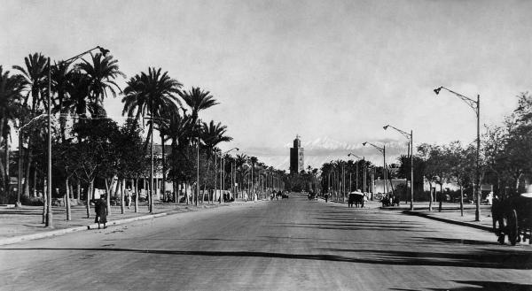 Avenue Mangin  dans les années 1930, actuelle avenue Mohamed V (d'après mangin2marrakech.canalblog.com)
